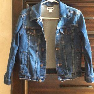 A dark navy blue jean jacket.